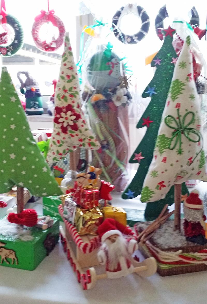Gebastelte Weihnachtsdeko.Liebevoll Gebastelte Weihnachtsdeko In Renneritz